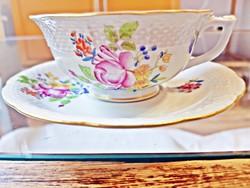 3 db. HBC (rózsa) mintás, Herendi porcelán, teás csésze , csészealjjal, az 1950-es évekből eladó.
