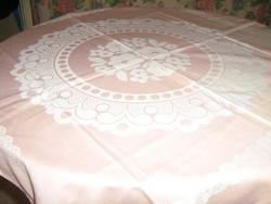 Gyönyörű vintage rózsaszín virágos damaszt terítő