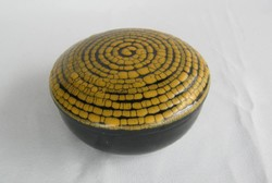 B. Várdeák Ildikó kerámia bonbonier vagy ékszertartó