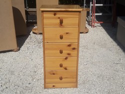 Eladó egy fenyő komód. Bútor szép, újszerű állapotú.