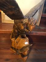 Régi fa madár szobor
