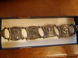 Antik kultikus karkötő vallásos