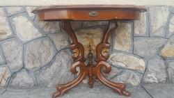 Neobarokk konzol asztal.