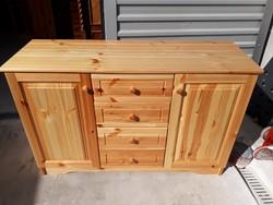 Eladó egy szinte új fenyő komód, vastag fából készült,elég nehéz. Bútor gyönyörű, újszerű  állapotú
