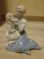 Porcelánfigura