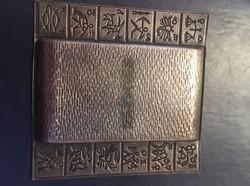 Retro horoszkópos fém hamutál Salgótarján címerrel