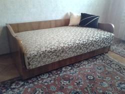 Art-deco stílusú politúrozott ágy, fotel, ülőke