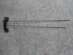 Hangadó háromsúlyos falióra szerkezethez