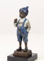 Cigarettázó fiú -dohányzó fiú festett bronz szobor