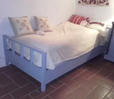 Antik art deco Louis Blue színű fa ágy, fém keretes ágyráccsal