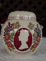 Angol fűszertartó II. Erzsébet királyné megkoronázásának ezüst jubileumára kiadott emléktárgy