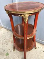 Francia XV.Lajos stílusú kör alakú asztal