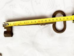 19. századi 18 cm-es antik kulcs