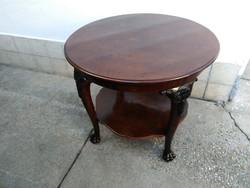 Antik faragott asztal