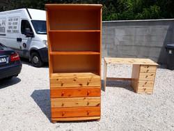 Eladó egy CLAUDIA fenyő szekrény, 4 fiókos komód rátéttel. Bútor jó állapotú , teljesen fából van ,