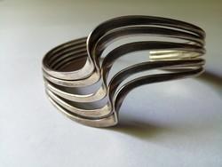 Modern ezüst karperec 43,5 gr.