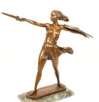 Amazon bronzszobor