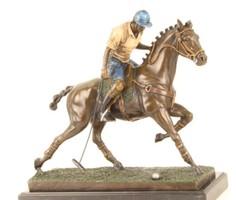 Lovaspóló sport bronzszobor