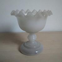 Szecessziós, fodros tejüveg kehely, 1900