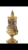 Barokk porcelán váza-urna