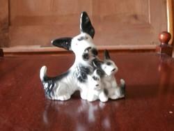 Porcelán kutyák