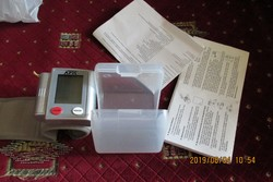 Vérnyomásmérő,csuklós