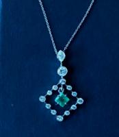 Smaragdos, briliáns nyakék