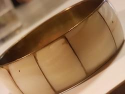 Gyöngyház intarziás  rézkarkötő 2,2 cm.