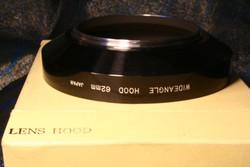 Régi-új, Japán lencsevédő-napellenző alumíniumból, dobozában WIDEANGLE Lens Hood 62 mm japan