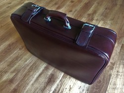 Utazó bőrönd