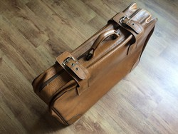 Utazó bőrönd 1975-ből ;)
