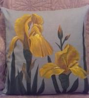 Sárga írisz virágos díszpárna huzat - egyedi darab, kézzel festett, pamut