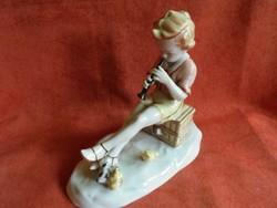 Metzler&Ortloff porcelán fuvolázó kisfiú figura csibékkel