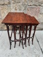 Eredeti Thonet kínáló asztal szett,  4 db os zsúrasztal garnitúra