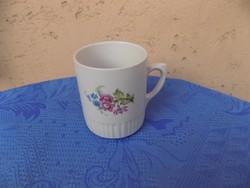 Antik pajzspecsétes Zsolnay virágmintás szoknyás porcelán bögre (24/d)