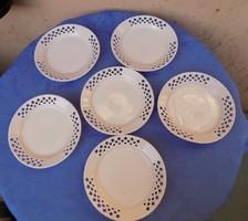 Áttört szélű porcelán kistányér készlet 6 db átm.16,5 cm (2/p)