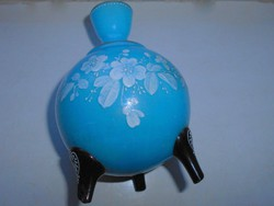 Antik kalcedon üveg zománc festett kancsó alakú váza