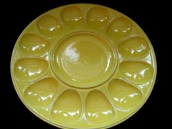 Sárga kerámia tojás tálaló tál