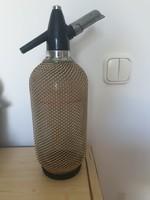 Drótfonatos szódásüveg