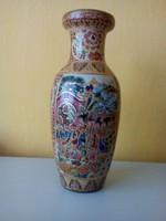 Dúsan díszített, kézzel aranyozott kínai váza