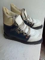 Régi Chopok gyerek si cipő, si bakancs fellelt állapotban 22 cm hosszú