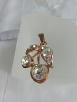 Bizsu kristályos medál