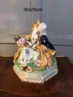 Porcelán csókolózó pár Tartó-bonbonier-doboz-