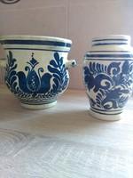 Korondi kék-fehér mázas váza és kaspó