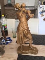 Kis plasztika szobor Anya  a Gyermekével