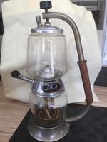 Régi kávéfőző szép állapotban 34 cm magas,üvegei hibátlanok elektromos.