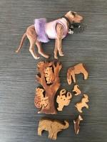 Régi fa játékok és egy kutyus
