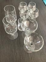 Csiszolt üveg likőrös vagy pezsgős, konyakos poharak 8 db
