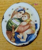 Csillagos tűzzománc medál a Szűz Anyával, és a kisdeddel hátoldalán Horvát felirattal, keret nélkül