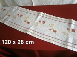 Nagyon régi kézzel hímzett virág mintás keresztszemes vászon terítő, futó 120 x 28 cm